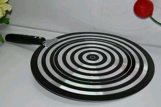 *Flat non-stick chapati pan* image 1