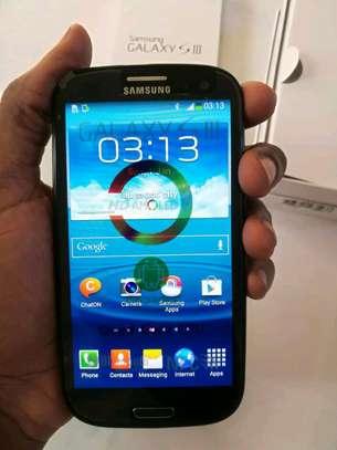 Samsung Galaxy S3 16gb image 1