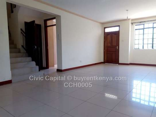 4 bedroom townhouse for rent in Syokimau image 4