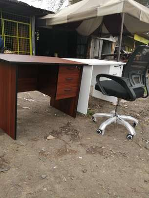 Study desks image 2