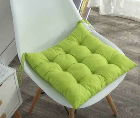 green chair pad image 1