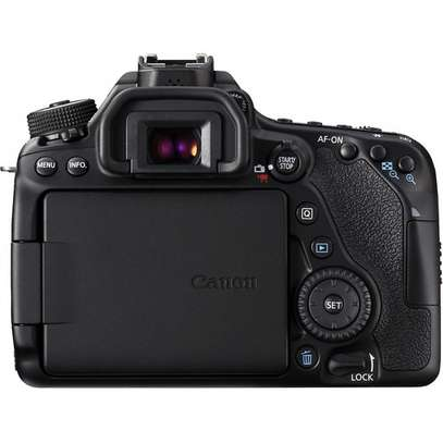 Canon EOS 80D DSLR Camera with 18-135mm Lens image 4