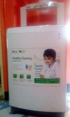 LG Turbodrum Washing Machine image 2