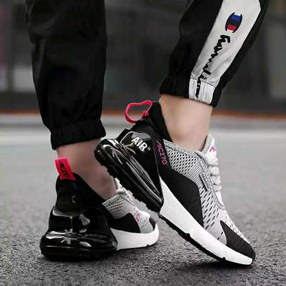 Tredy smart sneakers image 1
