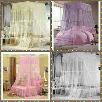 Top square free size nets