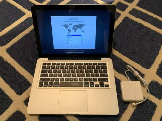 Macbook pro 2012, core i5, 1 tb hdd,8 gb ram, 2.5 ghz, backlit keyboard image 5