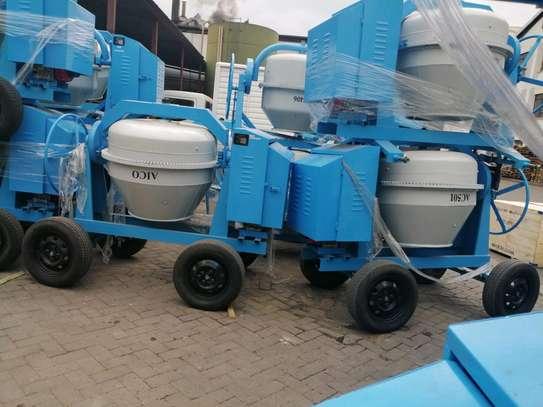 500l Concrete Mixer image 2