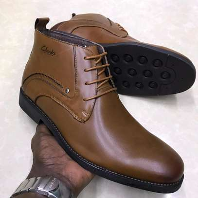Light brown classy authentic men's boots image 2