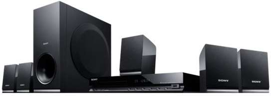 sony DVD Home Thaeater System - DAV-TZ140 image 1