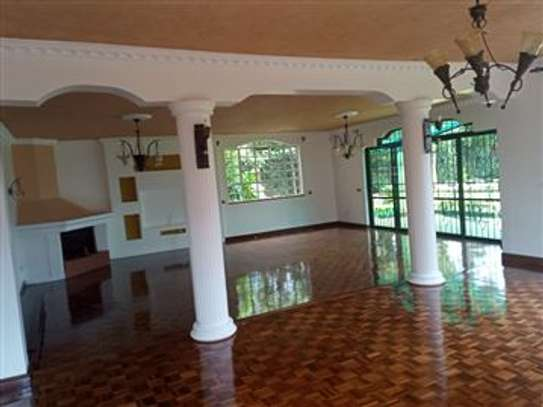 LAVISH LUXURIOUS 3 BEDROOM HOUSE TO LET IN SYOKIMAU OWN-COMPOUND WITH AN sq. image 2