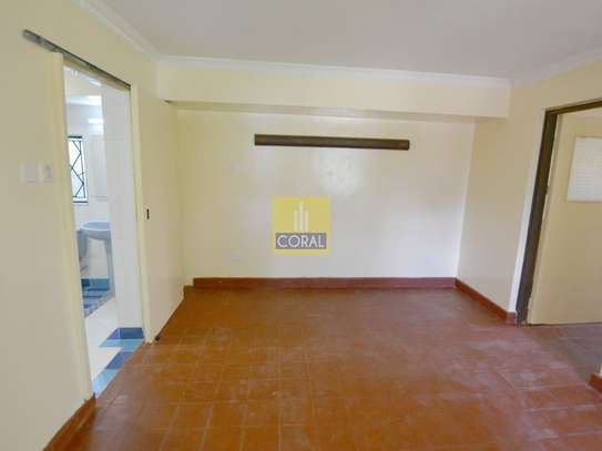 1 bedroom house for rent in Kilimani image 13