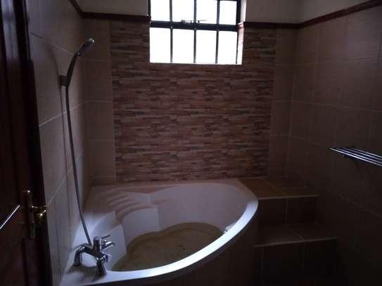3 bedroom apartment for rent in Rhapta Road image 16