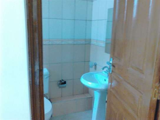 2 bedroom apartment for rent in Riverside image 18