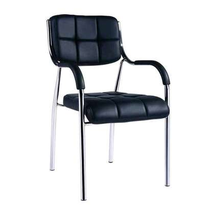Conference chair with arms and rubbered bottom F87W image 1