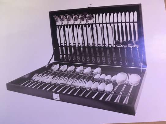 75 Piece Bead Cutlery Set With Case