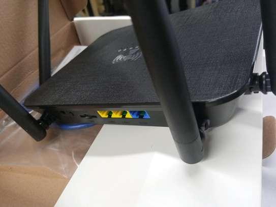 LT210F 4G LTE WiFi Router Hotspot 300Mbps SIM Card CPE image 2