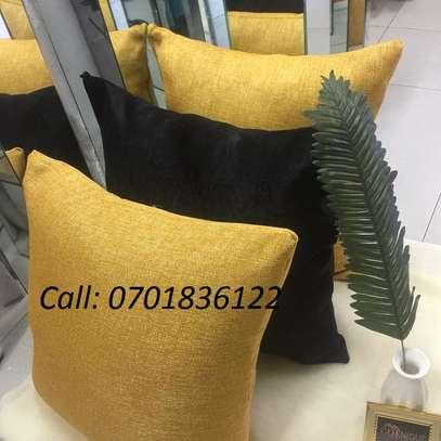 Quality throw pillow image 4