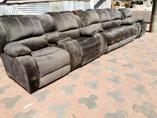 Luxurious Modern Quality 5 Seater Non-Reacliner Sofa image 2