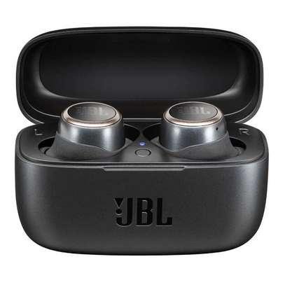 JBL Live 300 TWS True wireless in-ear Bluetooth® headphones image 6