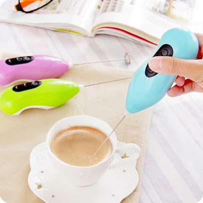 1:Usage: coffee, egg, milk etc. 2:Material: plastic + stainless steel 3:Colour: multicolour 4:Size: 21.6CM * 5CM * 5CM 5:Battery powered. image 2