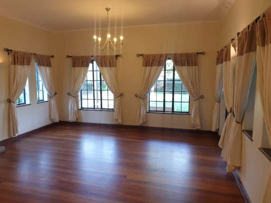 5 bedroom villa for rent in Runda image 4
