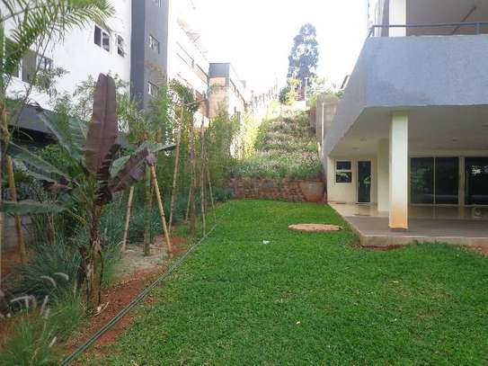 General Mathenge - Flat & Apartment image 3
