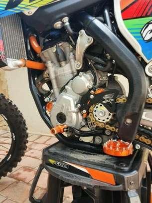 KTM 350 SXF 2017 (11 hours on clock) dirt motorbike image 3