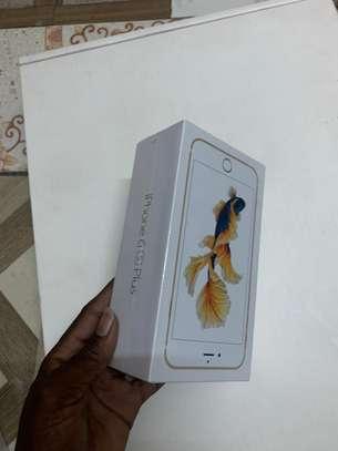 iPhone 6s plus 64GB image 3
