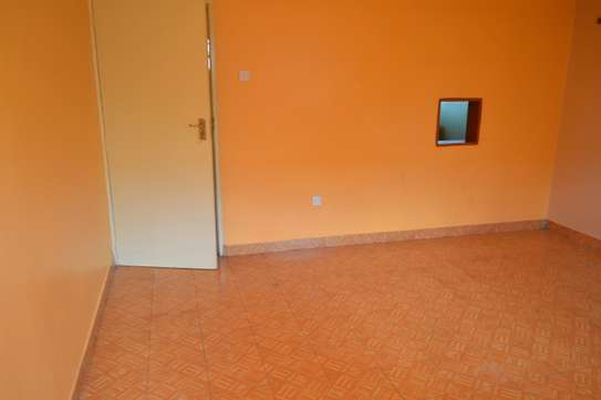 VERY SPACIOUS TWO BEDROOM TO LET image 2