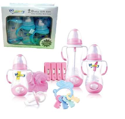 Baby feeding bottle gift set image 1