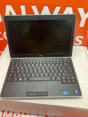 Dell Latitude E6220 Core i5 4GB Ram 320GB HDD 2.5GHz image 3