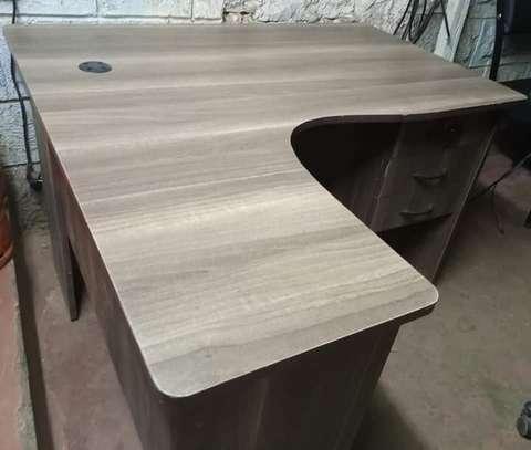 L shape Reception desk image 9