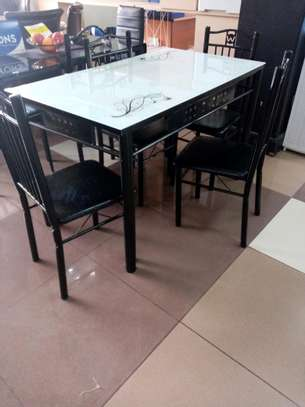 Modern 4 seats dining table image 1