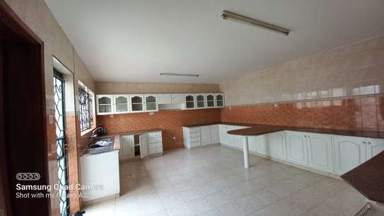4 bedroom townhouse for rent in Brookside image 4