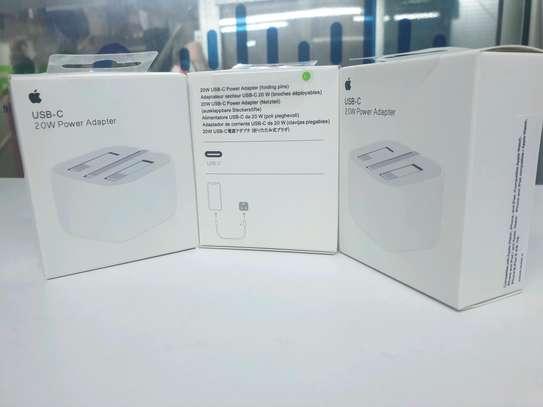 Apple USB-C 20W power adapter image 2
