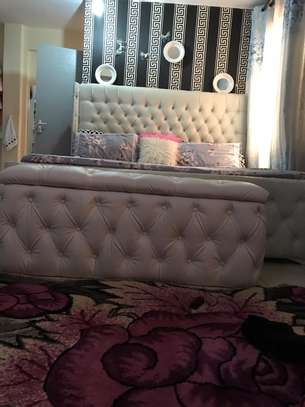 High board tufted leather bed 6*6 image 2
