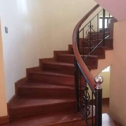 Magnificent townhouse to let in Lavington. It's a 6 bedroom all ensuite image 10