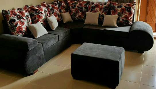 Quality 5 seater Lsofas with modern fabrics image 1