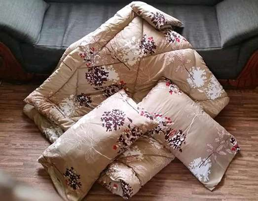 Quality cotton duvets with one pillow case image 4