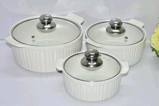 Serving dishes image 1