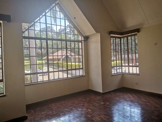 CLEAN AND SPACIOUS 5BEDROOM TOWNHOUSE WITH DSQ image 13