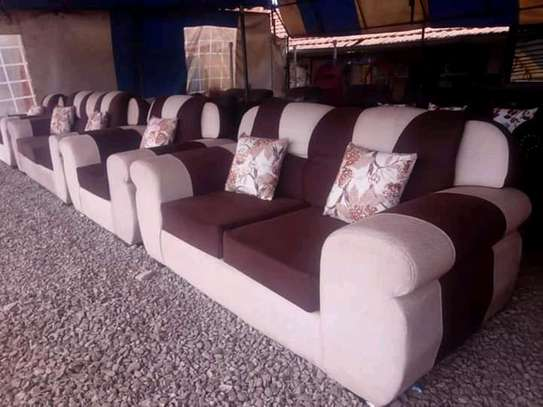 7 Seater Diamond image 1