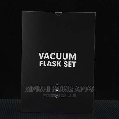 Vacuum Flask Gift Set image 2