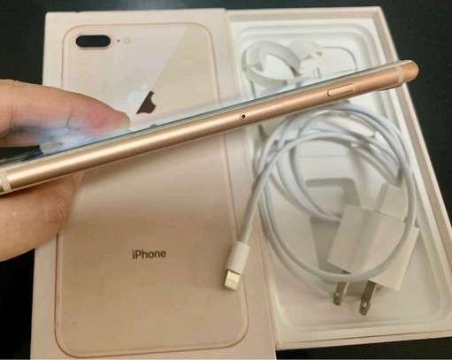 Apple IPhone 8 Plus : 256 Gigabytes : 5 Phone Cases image 3