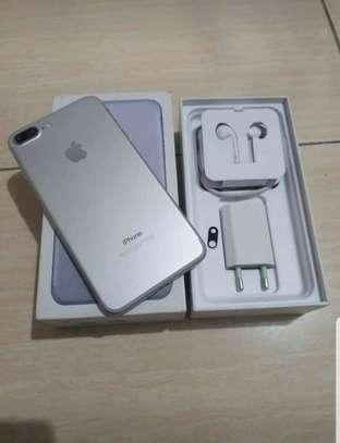 Iphone 7 Plus image 3