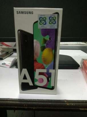 Samsung galaxy A51 6.5 inches 6gb ram 128gb rom 48mp+12mp+5mp camera image 1
