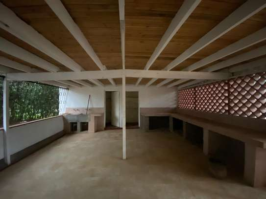 4 bedroom house for rent in Runda image 11