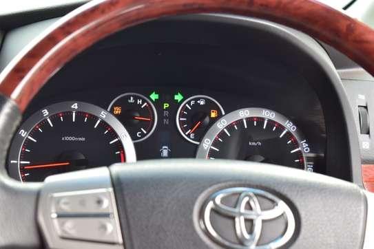 Toyota Vellfire image 11