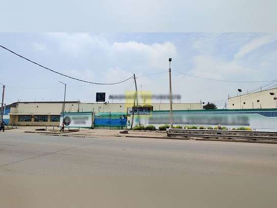 1245 m² office for rent in Industrial Area image 1