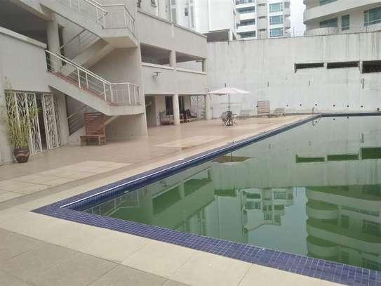 Riverside - Flat & Apartment image 10